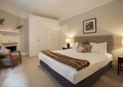 Elwood Vautier Bedroom