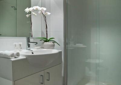 quest-cheltenham-Studio-Bathroom-Ensuite